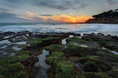 Волшебный заход солнца на море в Португалии Стоковое Изображение