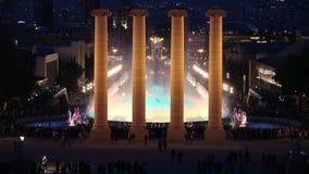 Волшебный фонтан в Барселоне на ноче акции видеоматериалы