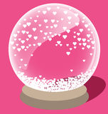 Волшебный хрустальный шар с малым белым сердцем внутрь Стоковые Фото