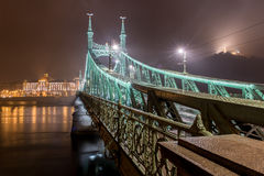 вольность budapest Венгрии моста стоковая фотография rf