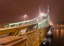 вольность budapest Венгрии моста стоковые фото
