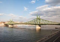 вольность budapest моста стоковая фотография rf