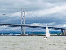Вперед мост дороги и лиман вперед Эдинбург, Шотландия, Великобритания Стоковые Изображения RF
