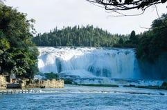 Впечатляющий водопад в Китае стоковое фото rf