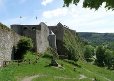 Впечатляющая средневековая крепость в городке бульона, Бельгии Стоковое Изображение RF