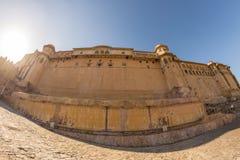 Впечатляющие ландшафт и городской пейзаж на янтарном форте, известном назначении перемещения в Джайпуре, Раджастхане, Индии Глаз  стоковые изображения