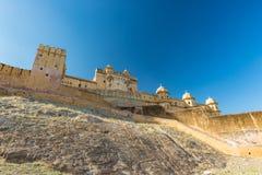 Впечатляющие ландшафт и городской пейзаж на янтарном форте, известном назначении перемещения в Джайпуре, Раджастхане, Индии Широк стоковое фото