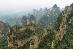 Впечатляющие штендеры песчаника в районе Yangjiajie Стоковые Фото