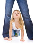 вползает мама ног девушки маленькая Стоковые Изображения