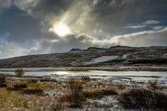 вполне счастлива те I если горы изображения благодарят использовано, то где зима а вы Ландшафт рождества на солнечном утре Стоковые Фото
