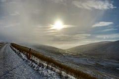 вполне счастлива те I если горы изображения благодарят использовано, то где зима а вы Ландшафт рождества на солнечном утре Стоковые Изображения