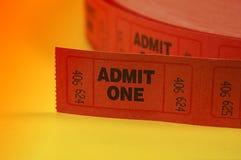 впустите что одно снабжает билетами стоковые изображения