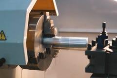 Вращанный механизм - автоматический для обрабатывать машины металла, промышленной предпосылки стоковое фото rf