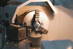 Вращанный механизм - обрабатывать деятельности металла, промышленной предпосылки стоковые фотографии rf