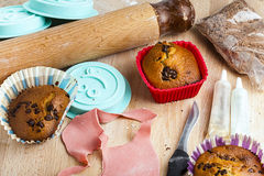 Вращающая ось случая пирожного таблицы булочки красная Стоковое Изображение RF