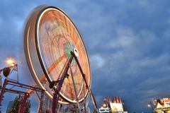 Вращаясь колесо ferris стоковая фотография