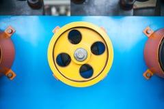 Вращая прорезиновые колеса машины замотки Стоковое Изображение RF