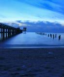 Время ландшафта захода солнца twilight на гавани и море моста Стоковые Фото