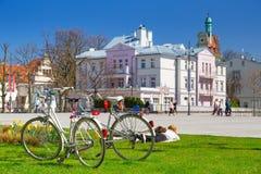 Время весны на квадрате в Sopot, Польше стоковое фото