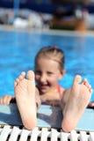 время заплывания бассеина девушки длиннее Стоковое Изображение RF