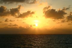 Время захода солнца и восхода солнца, предпосылка природы и пустая зона для текста Стоковое Изображение