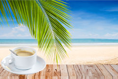 Время кофе на пляже Стоковые Фотографии RF