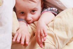 Время ложиться спать ребёнка Стоковое Фото