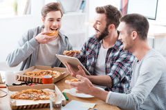 Время пиццы! Стоковые Изображения