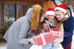 Время рождества с семьей Стоковая Фотография RF