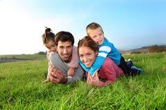 Время семьи в сельской местности Стоковое фото RF