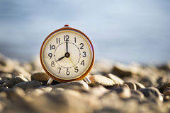 Время - старый будильник Стоковые Изображения RF