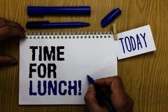 Время текста почерка для обеда Момент смысла концепции для того чтобы иметь перерыв на обед от работы Relax съесть человека остат стоковое изображение