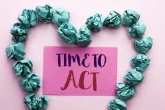 Время текста сочинительства слова подействовать Концепция дела для крайнего срока стратегии момента действия выполняет усилие ста стоковая фотография rf