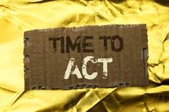Время текста сочинительства слова подействовать Концепция дела для крайнего срока стратегии момента действия выполняет усилие ста стоковое фото