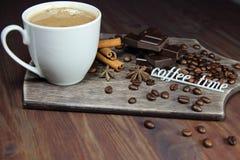 Время чашки кофе, шоколада, циннамона, anisetree и надписи для кофе Стоковые Изображения