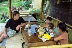 время чая семьи bali Стоковые Фотографии RF