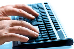 вручает печатать на машинке клавиатуры стоковые изображения