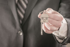 вручающ ключей дома сверх Стоковые Фото