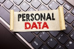 Вручите воодушевленность титра текста сочинительства показывая личные данные Концепция дела для предохранения от цифров написанно Стоковое Изображение