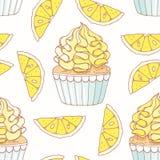 Вручите вычерченную безшовную картину с buttercream пирожного и лимона doodle еда вареников предпосылки много мясо очень бесплатная иллюстрация