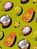 Вручите вычерченную картину конспекта вектора freehand текстурированную необыкновенную безшовную с экзотической папапайей тропиче Стоковая Фотография