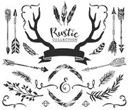 Вручите вычерченные винтажные antlers, пер, стрелки с литерностью Русь иллюстрация штока