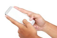 Вручите держать передвижной умный телефон с пустым экраном стоковая фотография