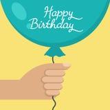 Вручите держать с днем рождения голубой воздушный шар, иллюстрацию вектора иллюстрация вектора
