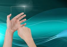 Вручите касающий стеклянный экран с абстрактными волнами и кривыми Стоковые Изображения