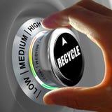 Вручите поворачивать кнопку и выбирать уровень рециркулировать стоковое изображение rf