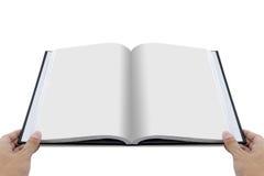 Вручите раскрывая белый журнал с модель-макетом пустых страниц Стоковые Фотографии RF