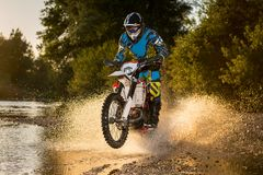 Всадник велосипеда Enduro Стоковая Фотография