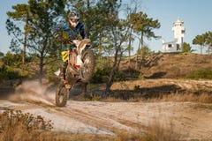Всадник велосипеда Enduro стоковые изображения rf