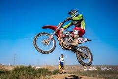 Всадник Motocross в гонке Стоковое Изображение RF